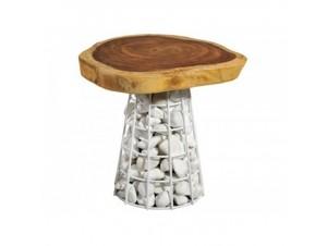 Τραπέζι από φυσικό κορμό και βότσαλα