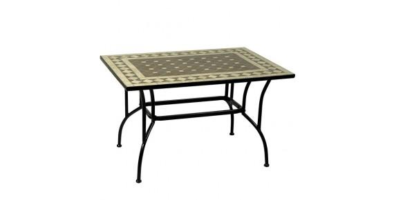 Τραπέζια με πέτρες