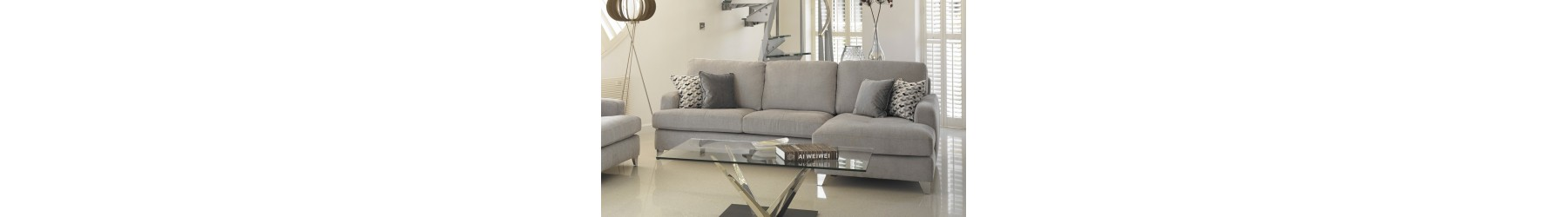 Σαλόνια και καθιστικά σε μοντέρνο ή κλασσικό σχεδιασμό.