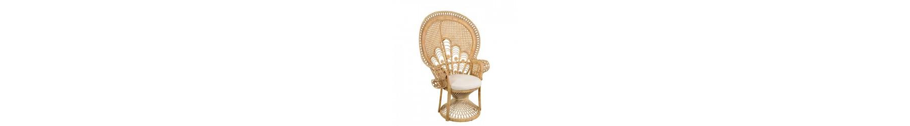 Πολυθρόνες από φυσικό Bamboo υψηλής ποιότητας σε κλασσικό σχεδιασμό.