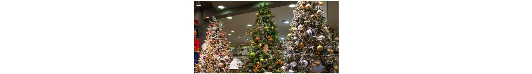 Χριστουγεννιάτικα δέντρα σε όλους τους τύπους και διαστάσεις