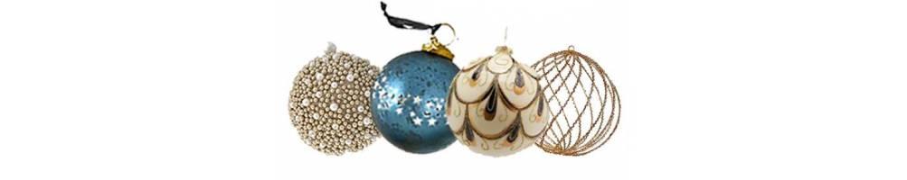 Χριστουγεννιάτικες μπάλες σε μεγάλη συλλογή για τη διακόσμηση